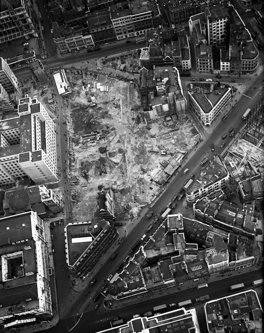 walbrook_mithraeum_aerial_view_1954